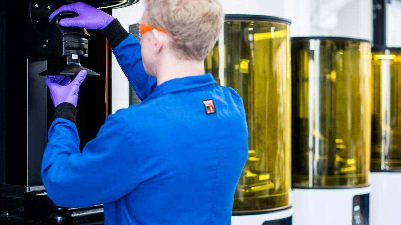 The Carbon Factor: Next Level in Professional 3D Printing | All3DP