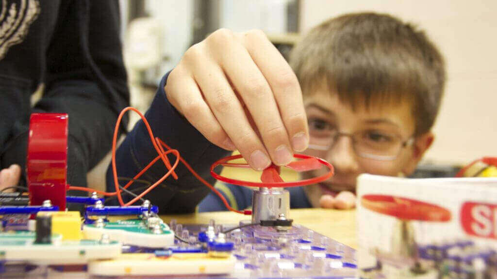 6 Ways 3D Printing Improves Education at All Levels | All3DP