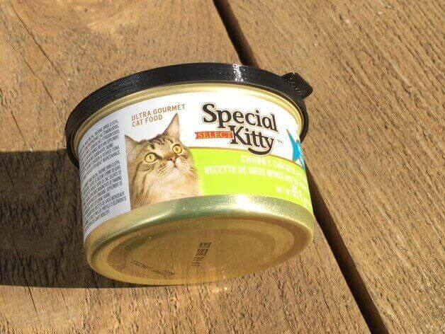 30 3D Printed Objects For Your Pet Cat Food Snug Lid with release tab
