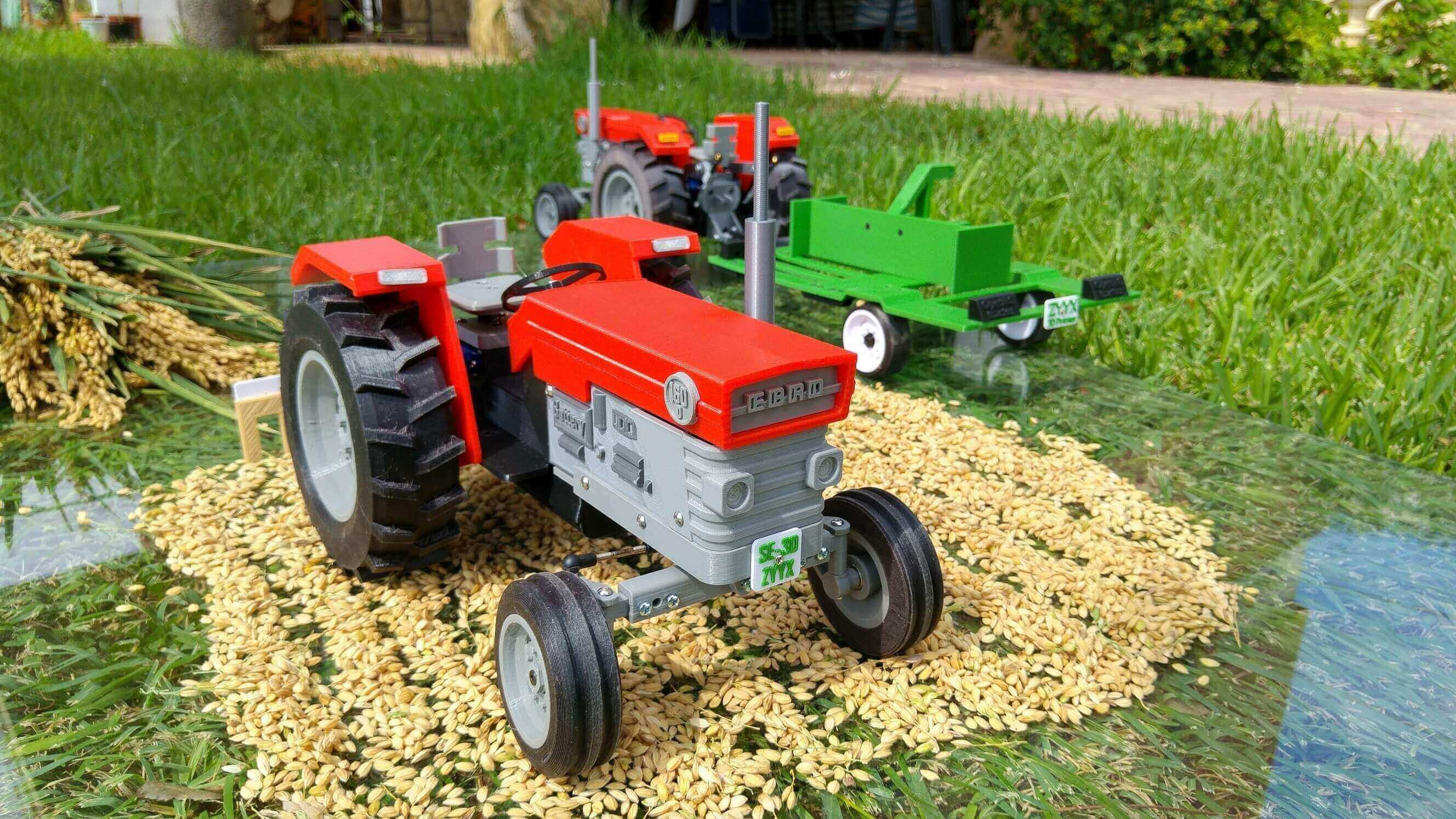 Harvest the Fun with a 3D Printed OpenRC Tractor | All3DP