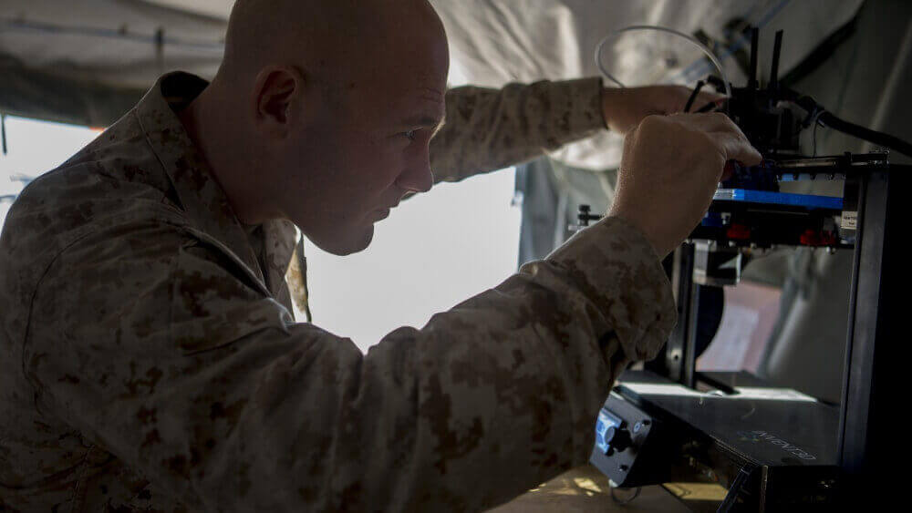 US Marines 3D Printing Replacement Parts in Harsh Conditions | All3DP