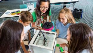 Featured image of Teacher's Guide to 3D Printing Classes and Curriculum
