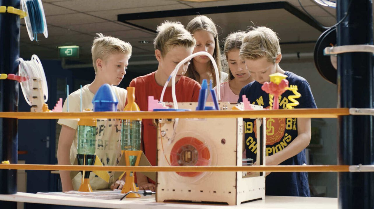 Featured image of School Teaches Science & Tech with 3D Printed Bottle Rockets