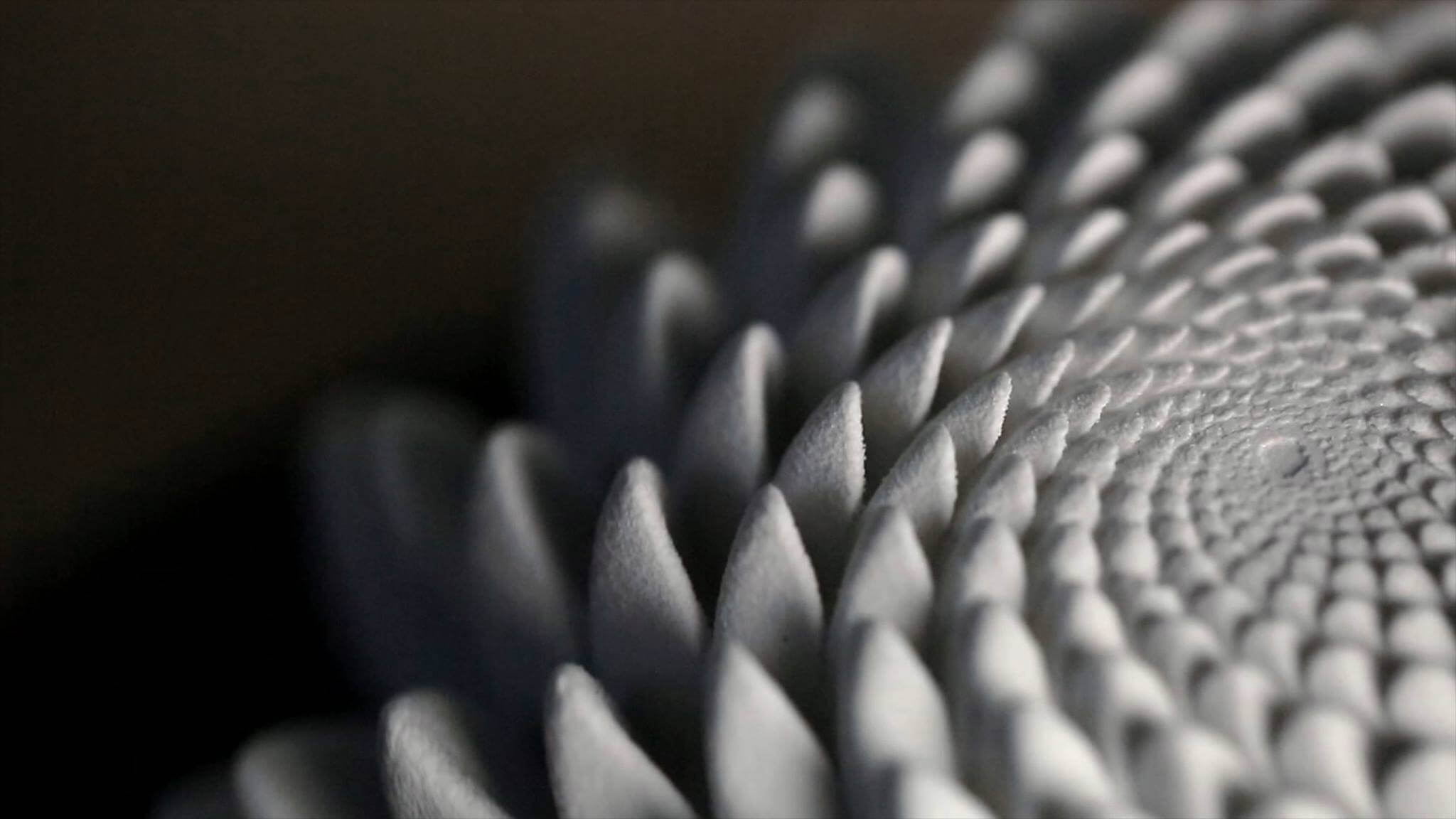 Blooms: 3D Printed Sculptures that Animate Under Strobe Light | All3DP