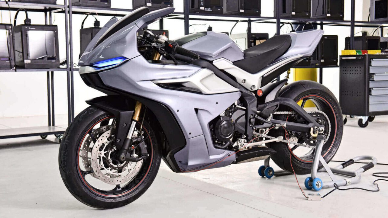 Featured image of Motorcycle Modded With Zortrax M300 3D Printer