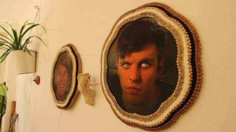 Featured image of This Creepy Portrait Picture has Moving Eyes