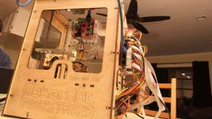 Featured image of Functional MakerBot Cupcake at Midwest RepRap Festival
