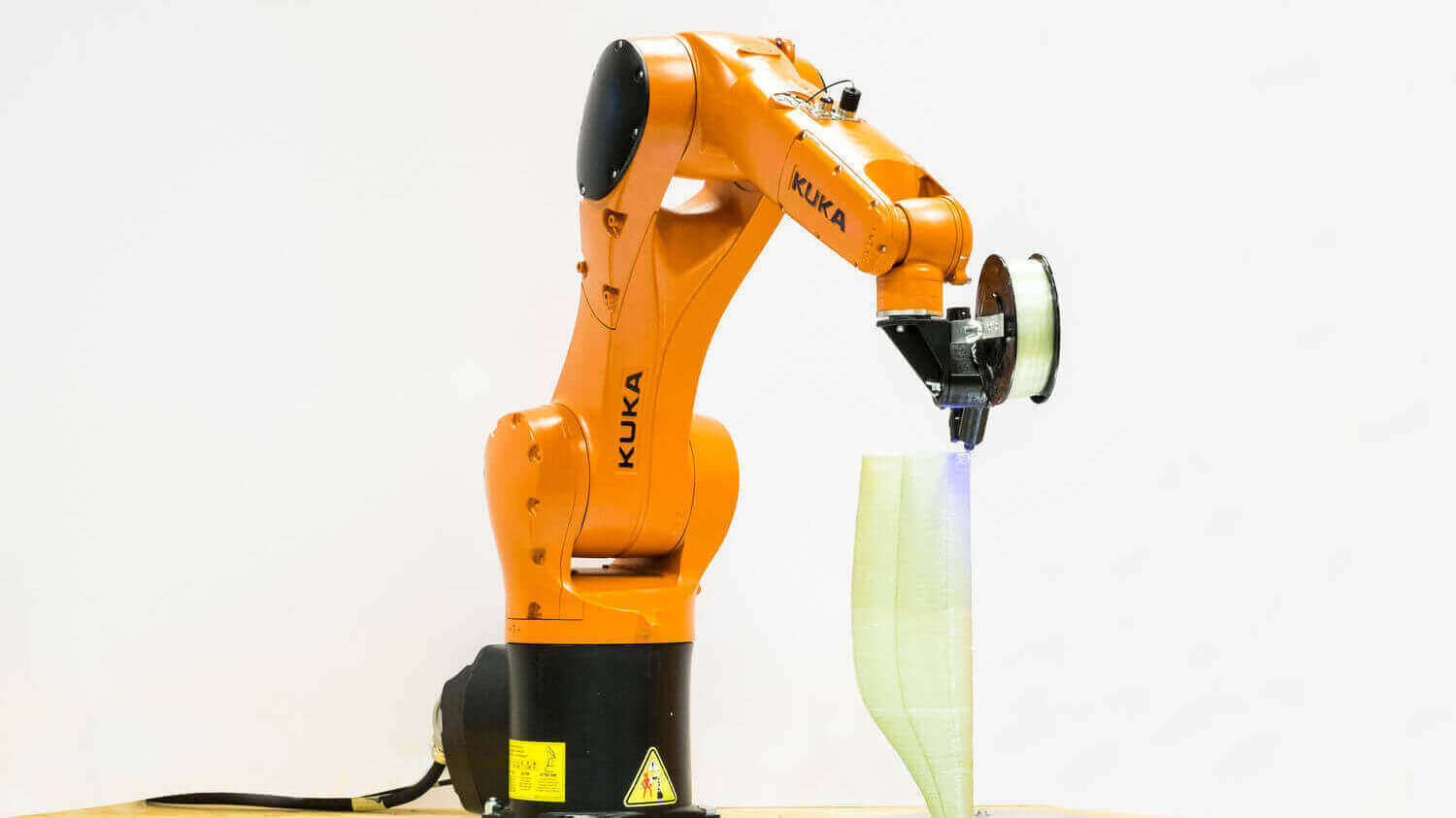 Atropos is a Robot Arm That Weaves Fiber Like Spiders Would Do | All3DP