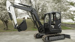 Featured image of Project AME: Fully Operational Excavator with 3D Printed Parts