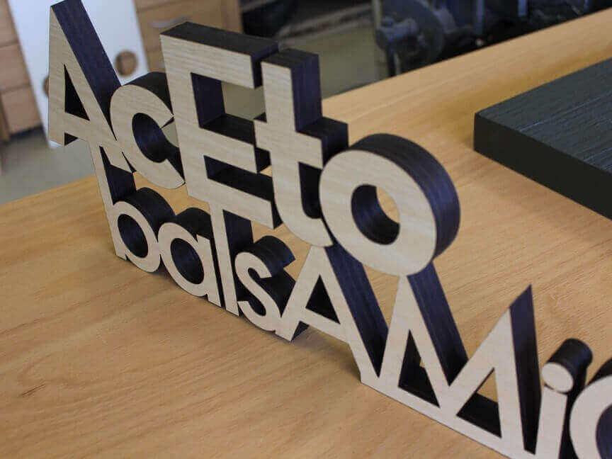 Laserschnitt Buchstaben