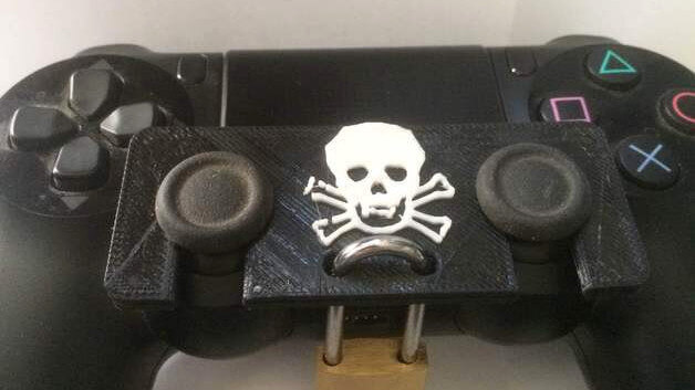 Image of Best PS4 Mods and Accessories to 3D Print: PS4 DualShock Lock
