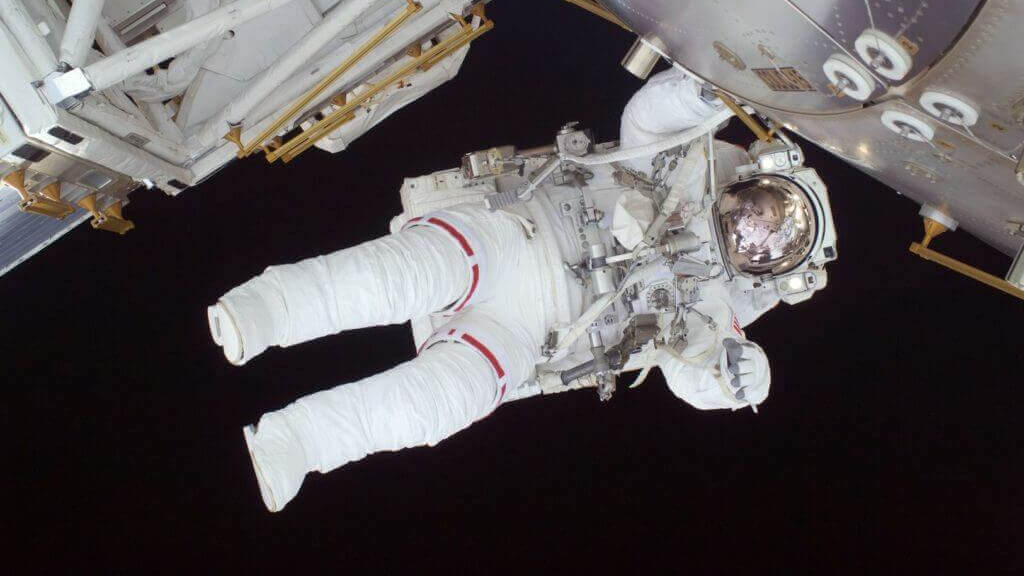 Astronauts Encouraged to 3D Print Medical Tools in Space | All3DP