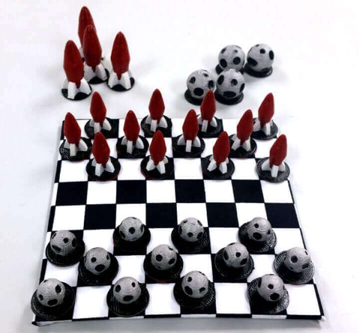 Image of DIY Board Games You Can Make with a 3D Printer: Rocket ships vs. Asteroids Draughts Set