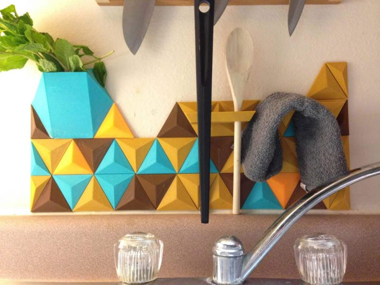 Image of 3D Printing Ideas – 40 Easy Home Decor Things to 3D Print: Modular Backsplash System