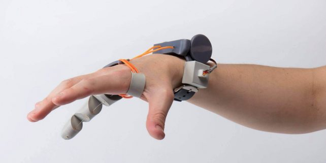 """Featured image of 3D Printed """"Third Thumb"""" Extends Natural Abilities"""