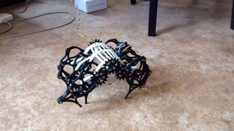 Featured image of 3D Printed Strandbeest Has Motor, Will Crawl