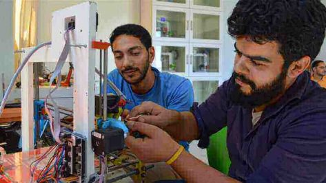 Featured image of Palestinian Hospital Turns to 3D Printing Amid Medical Shortages