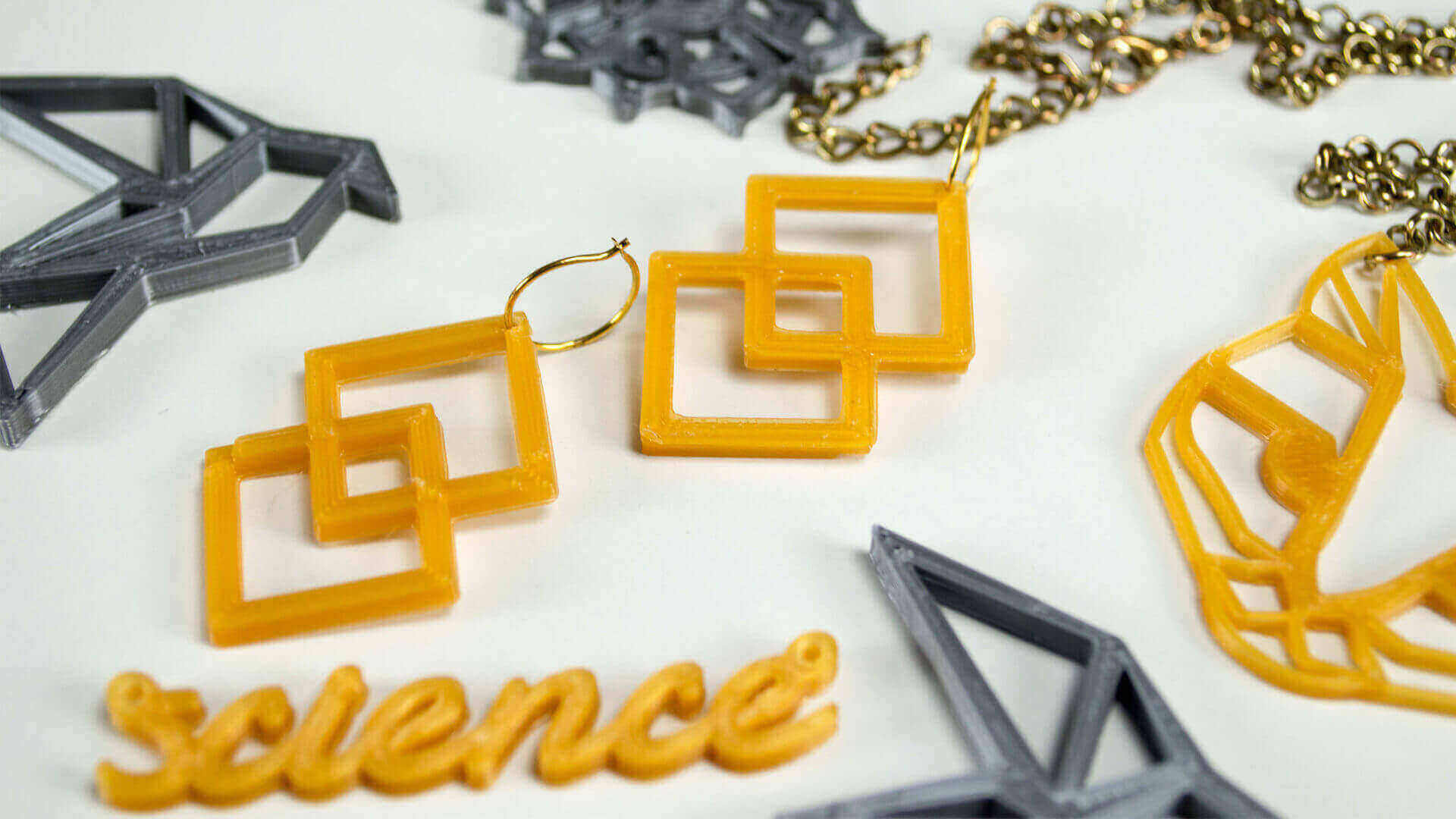 20 Best 3D Printed Necklaces and 3D Printed Earrings | All3DP