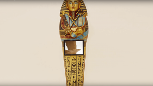 "Featured image of Ubisoft Creates 3D Printed Replica of Tutankhamun's Sarcophagus for ""Assassin's Creed: Origins"""