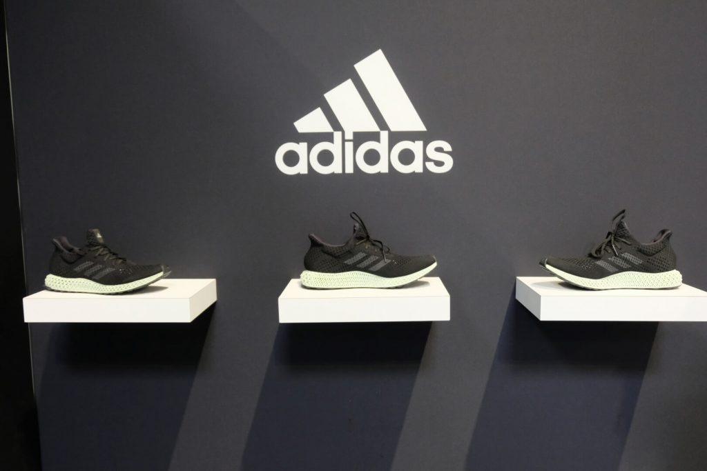 Sneaker Kult: Schuh Shop Besitzer in Hannover