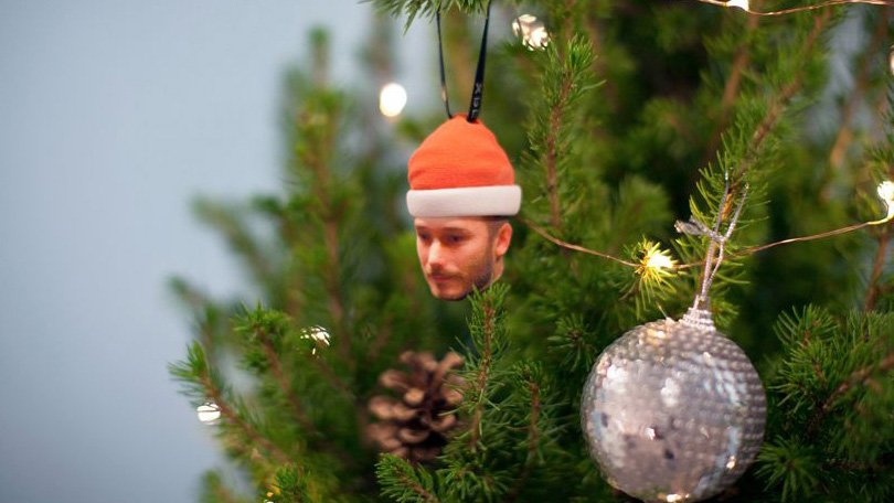 Sony's 'Bauble Me' Pop-Up Turns Your Face into a Tree Ornament | All3DP