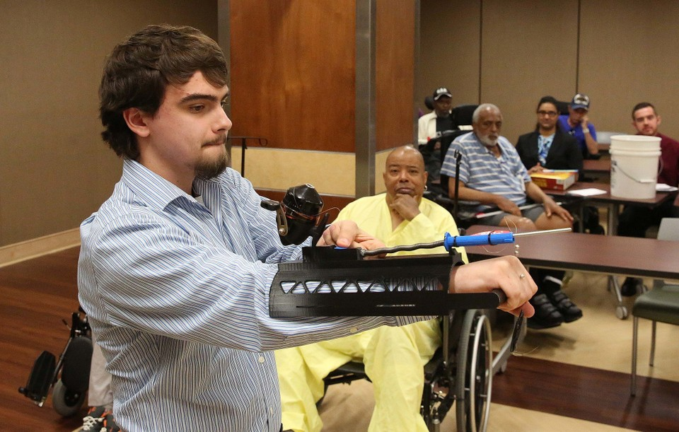 Students Develop 3D Printed Assistive Devices for Veterans | All3DP