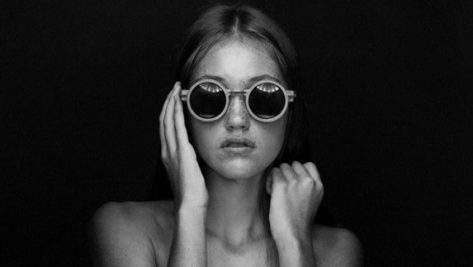 Featured image of South African Architect Releases Stylish 3D Printed Concrete Sunglasses