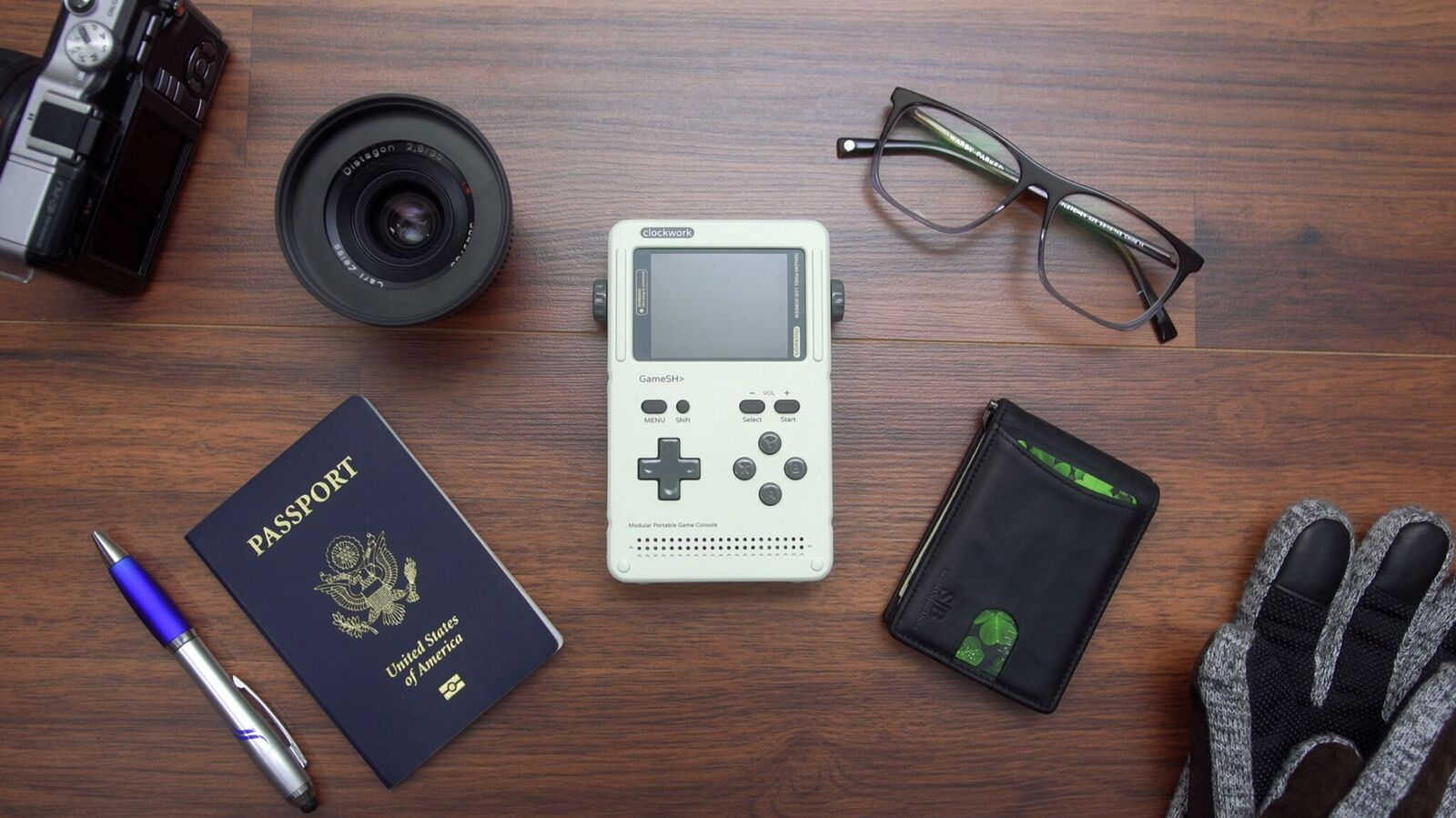 "Retro-Game Console ""GameShell"" Lets You Customize Its Cases 