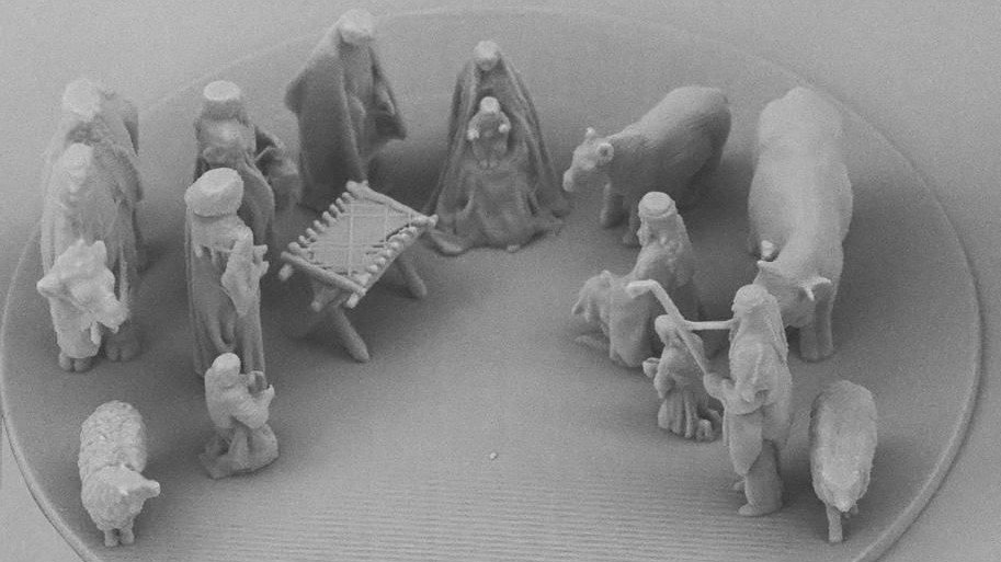 Pope Francis Receives 3D Printed Nano-Nativity Scene for Christmas | All3DP