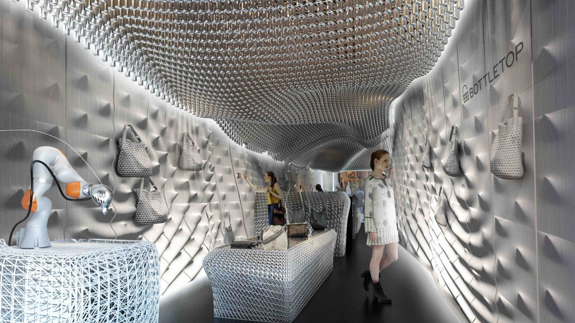"London's ""Bottletop"" Store Recycles 60.000 Bottles for 3D Printed Interior 