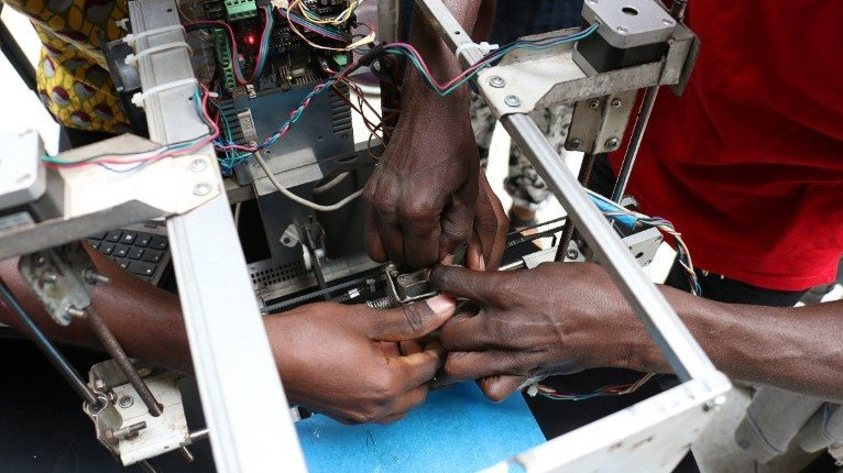 Startup in Togo Creates 3D Printers From E-Waste | All3DP