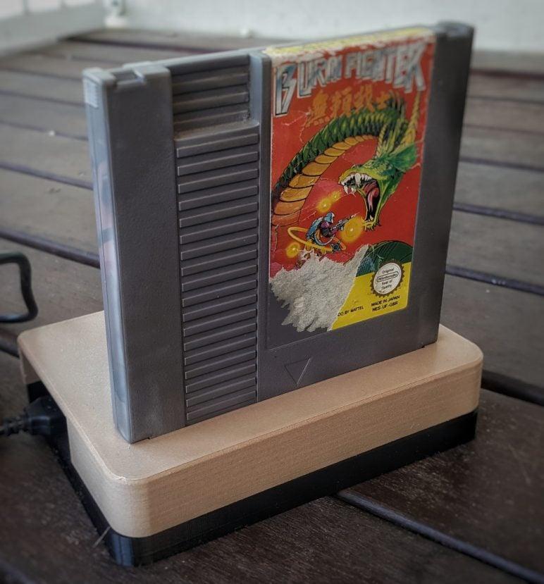 Image of Boîtier RaspberryPi3 à imprimer en 3D – Les 30 meilleurs modèles: Présentoir de cartouche NES