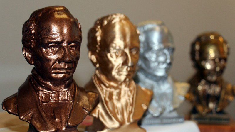 """Bronze Johns"" Statuettes Saved with 3D Printing 