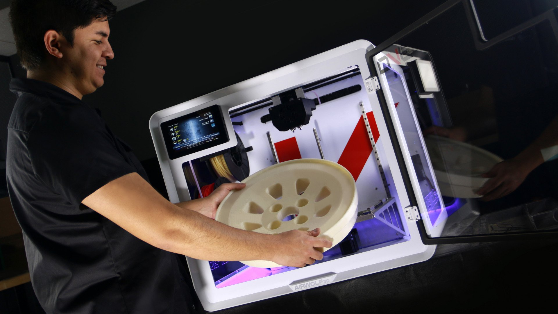 "Airwolf 3D Unveils EVO ""Additive Manufacturing Center"" at CES 