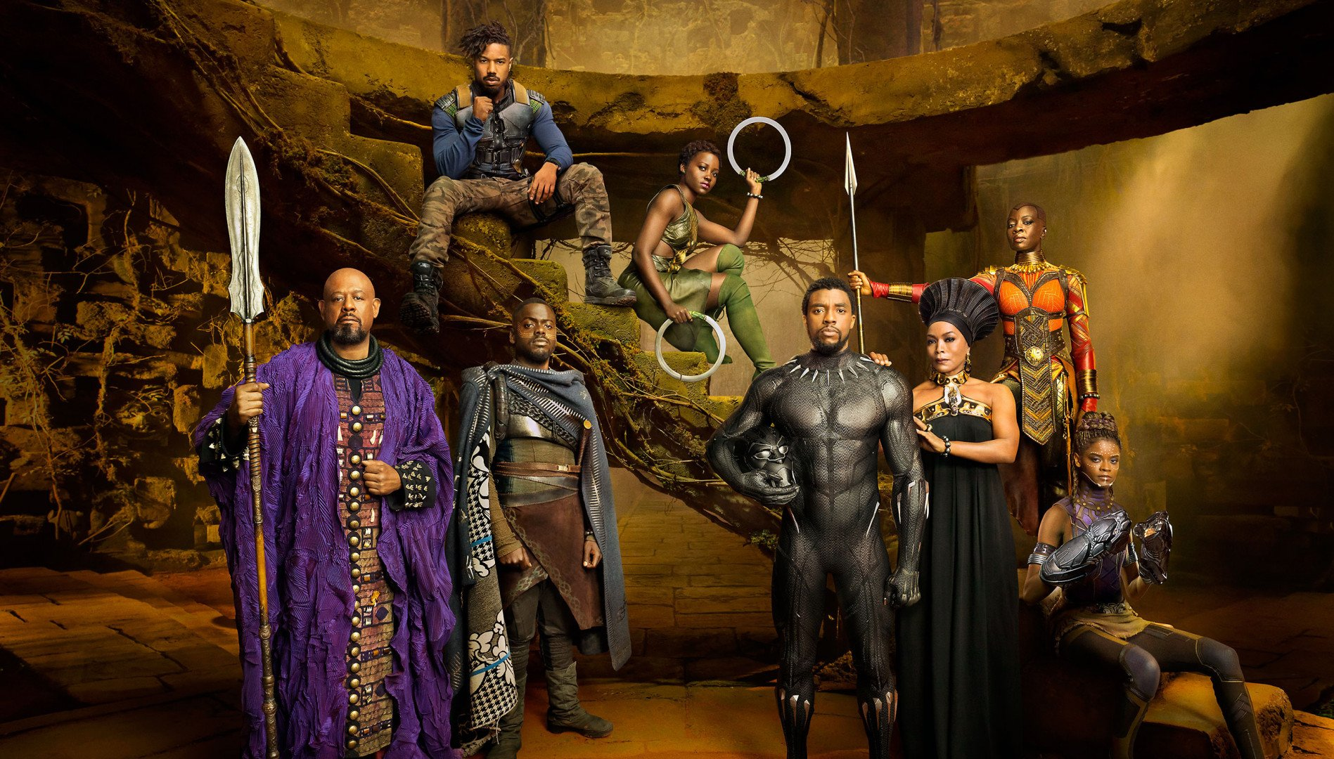 """Black Panther"" Costume Designer Explains Use of 3D Printing in New Superhero Movie 