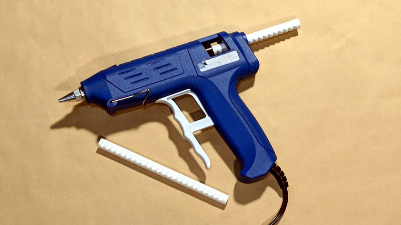 Collez vos impressions 3D avec du PLA et un pistolet à colle | All3DP
