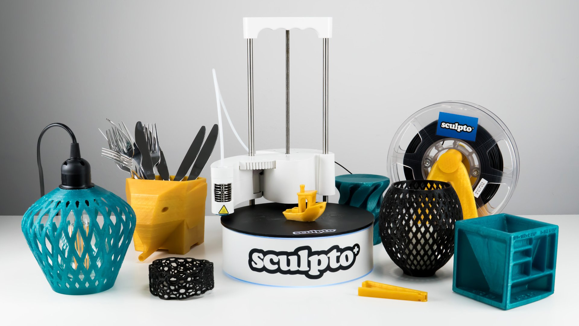 Sculpto+ (Plus) 3D Printer Review: Swiveling out of the Norm | All3DP