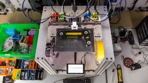Featured image of Radical Tool Changing 3D Printer with Motion System from E3D
