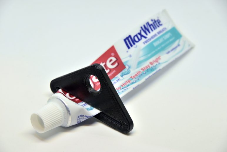 Image of Easy & Fun Things to 3D Print in an Hour (or Less): Simple Toothpaste Squeezer