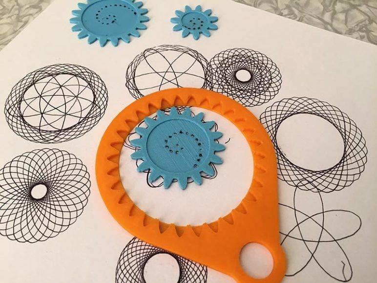 Image of Easy & Fun Things to 3D Print in an Hour (or Less): Spirograph Set