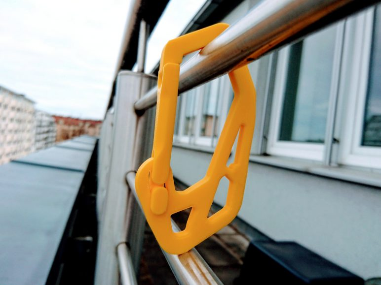 Image of Fun Things to 3D Print in an Hour (or Less): Strong Carabiner