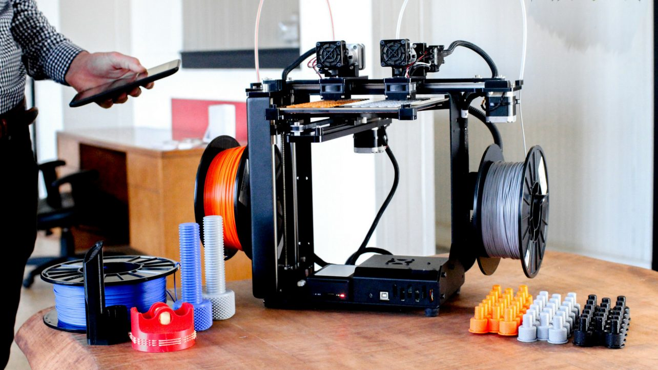 featured image of makergear brings m3 independent dual extruder 3d printer to rapid tct