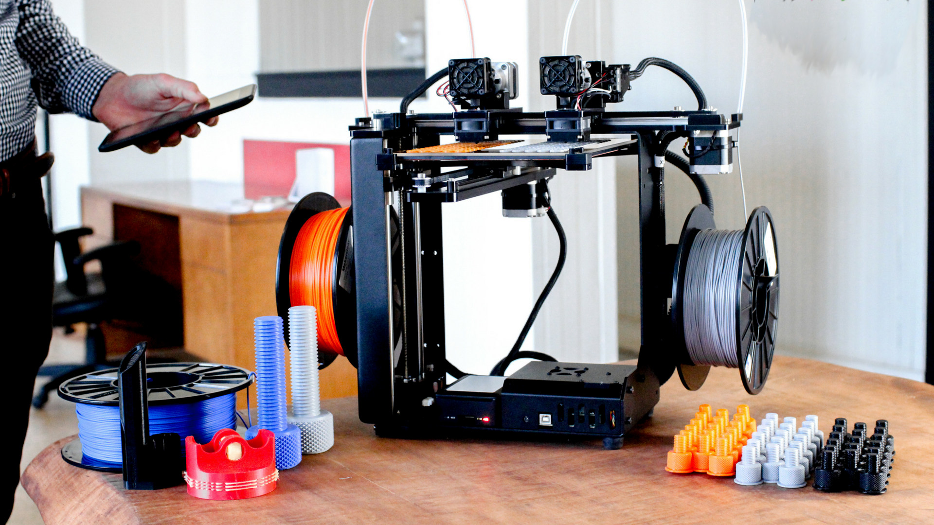 MakerGear Brings M3 Independent Dual Extruder 3D Printer to RAPID + TCT | All3DP