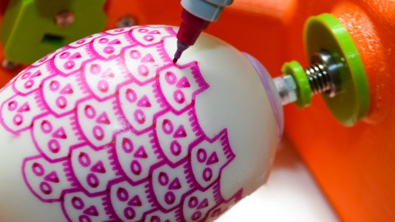 [Project] Automate Easter Egg Decorating with the Sphere-O-Bot | All3DP