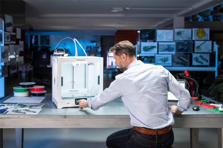 Image of Imprimante 3D Ultimaker S5 : points-clés: Quels sont les accessoires livrés avec l'imprimante 3D ?