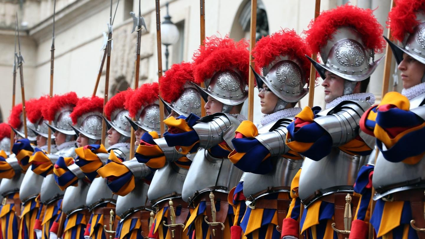 New 3D Printed Plastic Helmets for the Swiss Guards | All3DP