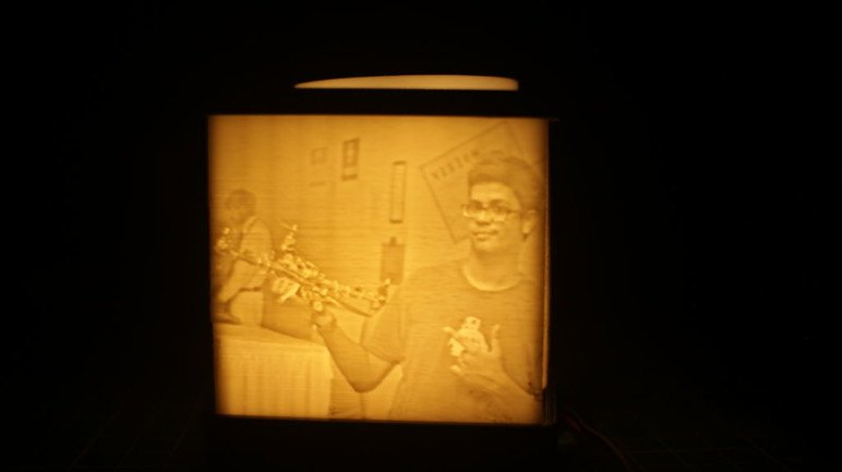 A finished lithophane.