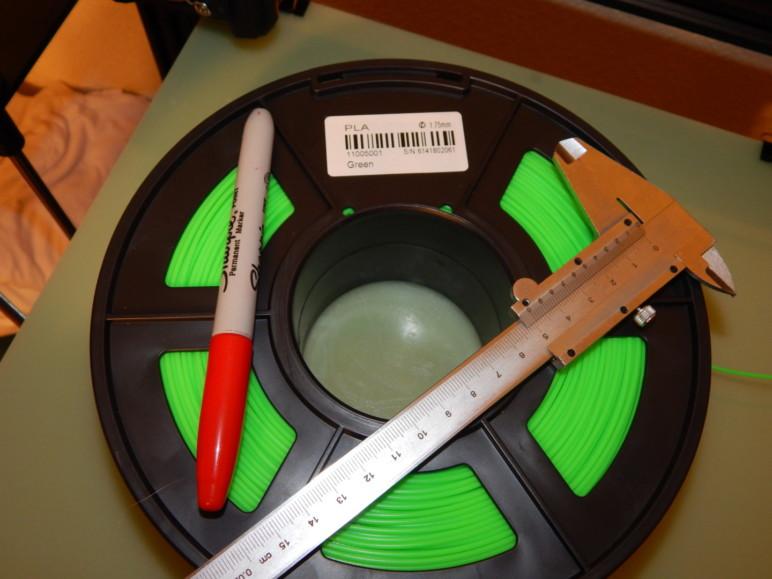 Bir ekstruder kalibre etmek için gerekli araç ve malzemeler.