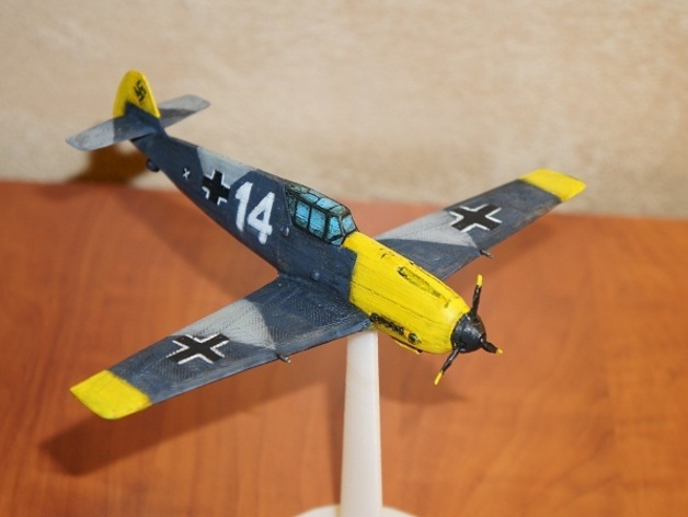 The assembled and painted BF-109.