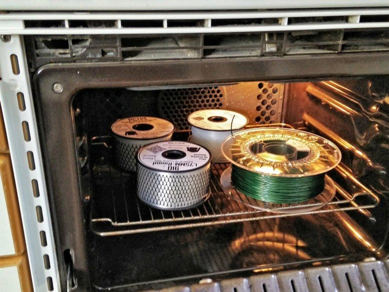 Oven-drying filament.